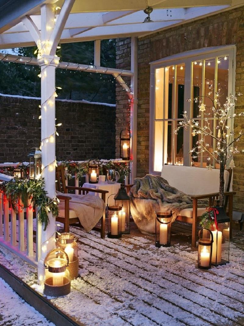 winter deck ideas - light on deck