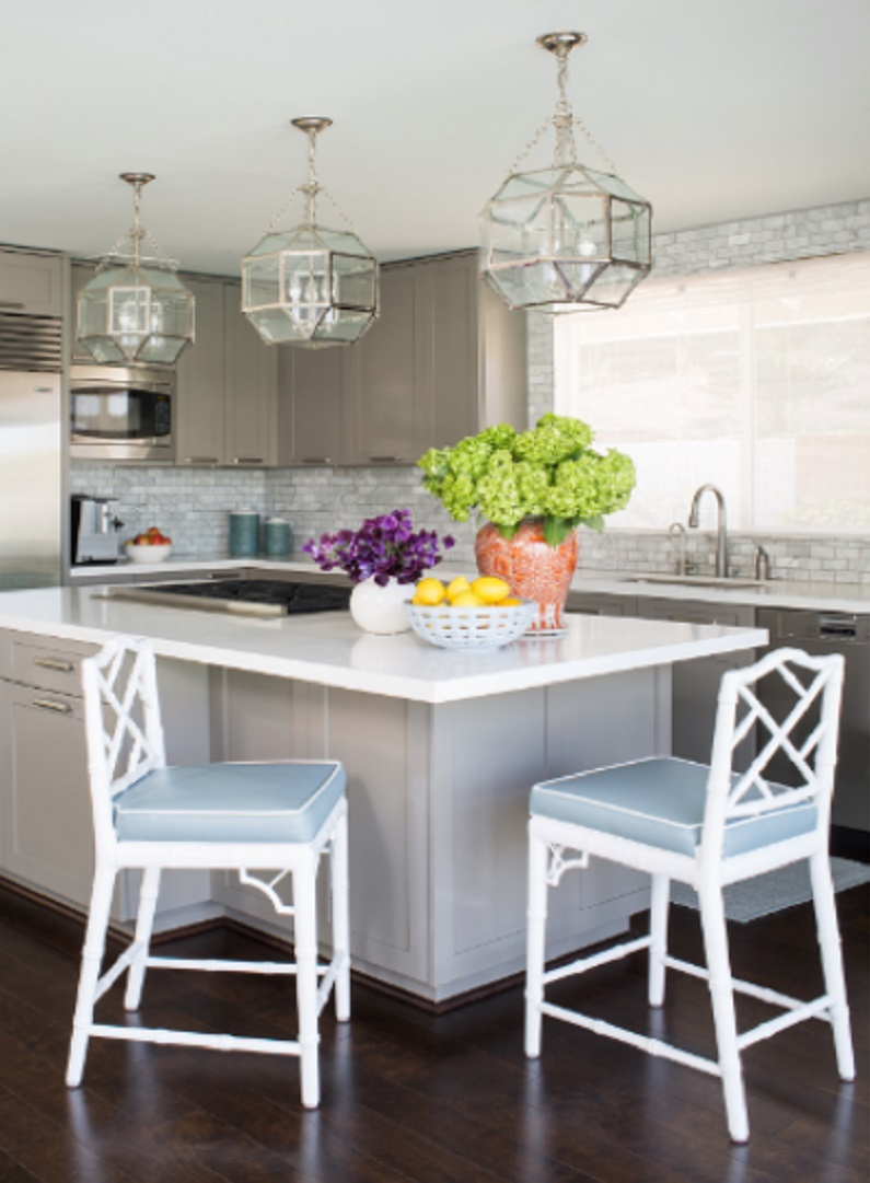 white kitchen cabinets traditional