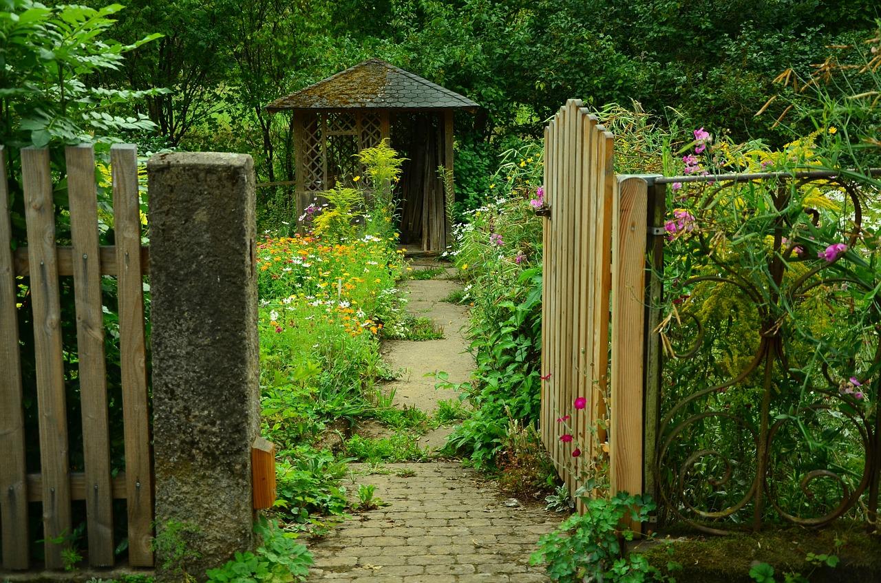 height of garden gate