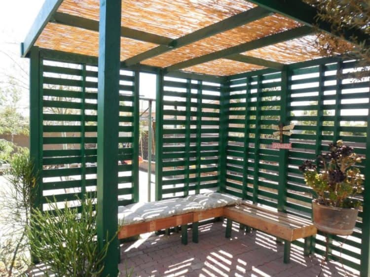 privacy pallet fence